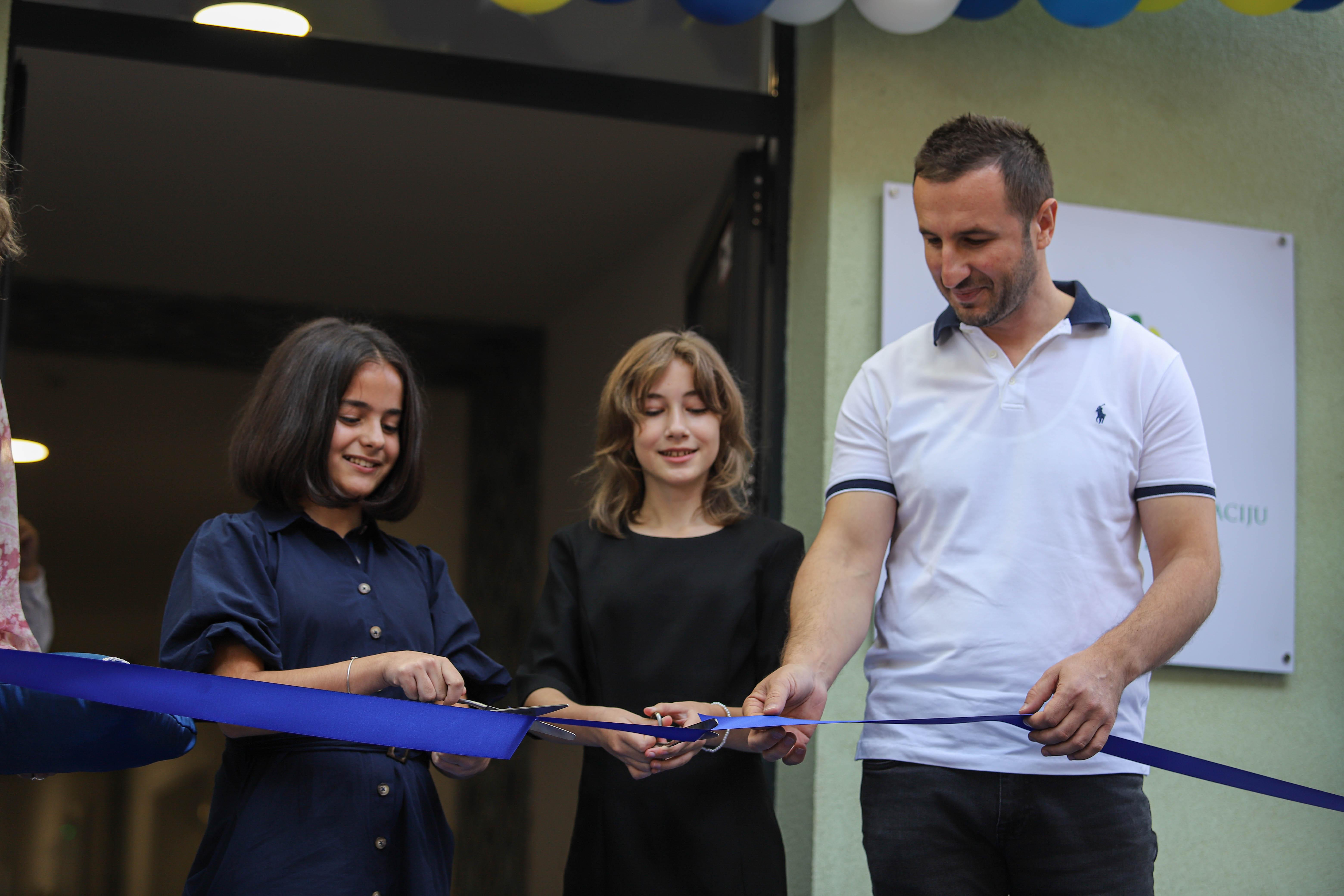 """Muzičkim programom i presjecanjem vrpce otvoren Centar za kulturu i edukaciju """"Safet Zajko"""""""