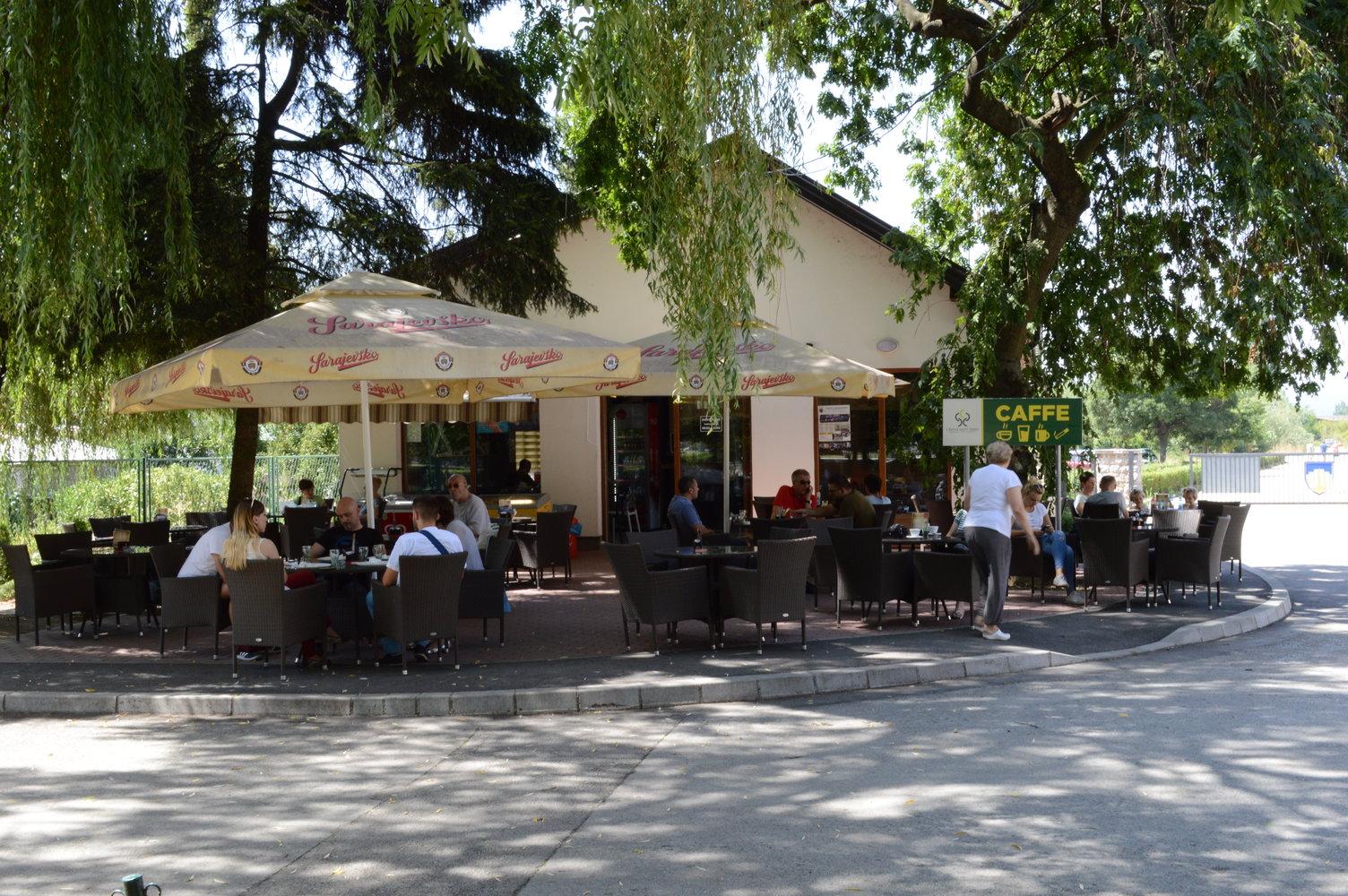 """Restoran i ljetne bašte u Centru za edukaciju, sport i rekreaciju """"Safet Zajko"""""""